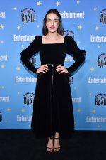 Elizabeth Henstridge in Jill Stuart @ Comic – Con 2019