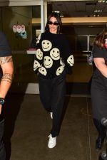 Kendal Jenner In Marc Jacobs Sweater @ LAX Airport