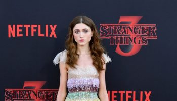 natalia-dyer-in-christian-dior-haute-couture-@-netflix's-'stranger-things'-season-3-premiere