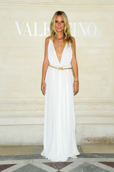 gwyneth-paltrow-in-valentino-@-valentino-couture-fall-2019-show