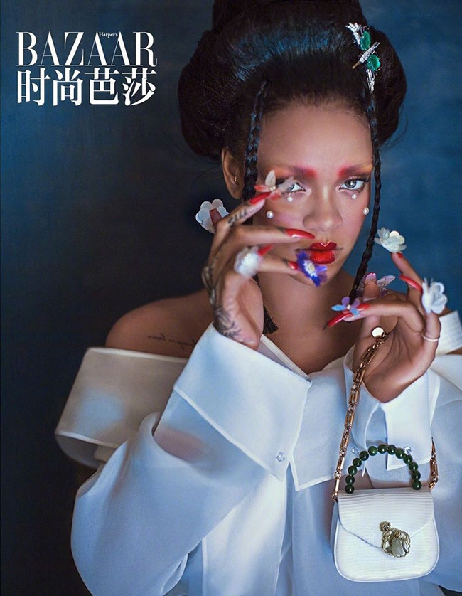 harper's-bazaar-china-august-2019-:-rihanna-by-chen-man