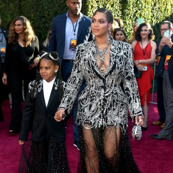 beyonce-knowles-&-blue-ivy-in-matching-outfits-@-'the-lion-king'-world-premiere