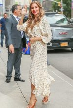 Sofia Vergara In a Faithfull the Brand @ Late Show with Stephen Colbert