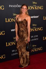 LeAnn Rimes In Nili Lotan @  Lion King  Hollywood Premiere At The Dolby Theater