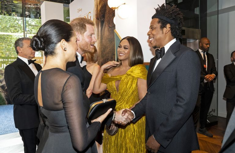 beyonce-&-meghan-markle-finally-meet-at-the-lion-king-premiere