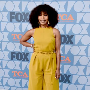 angela-bassett-in-mustard-jumsuit-@-fox-summer-tca-2019-all-star-party