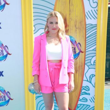 emily-osment-in-allen-schwartz-suit-@-fox's-teen-choice-awards-2019