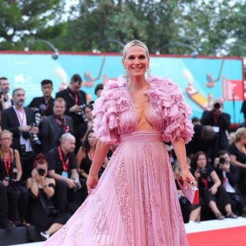 molly-sims-in-zuhair-murad-couture-@-'marriage-story'-2019-venice-film-festival-premiere