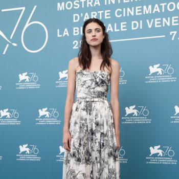 margaret-qualley-in-christian-dior-@-'seberg'-venice-film-festival-photocall-5