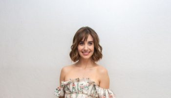 alison-brie-in-brock-collection-@-glow'-press-conference