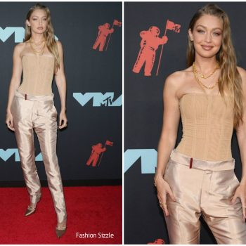 gigi-hadid-in-tom-ford-2019-mtv-video-music-awards