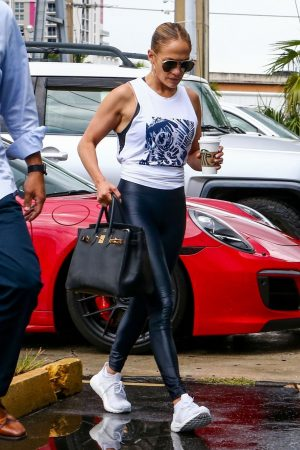 jennifer-lopez-carries-hermes-bag-to-workout-in-miami