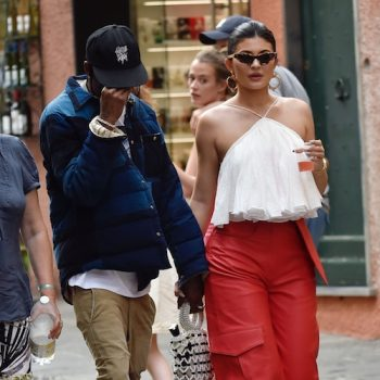 kylie-jenner-in-jacquemus-@-vacation-in-portofino-italy