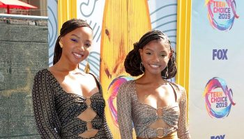 chloe-and-halle-bailey-@-teen-choice-awards-2019