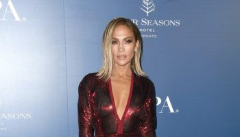 jennifer-lopez-in-elie-saab-@-the-hfpa-and-thr-party-in-toronto