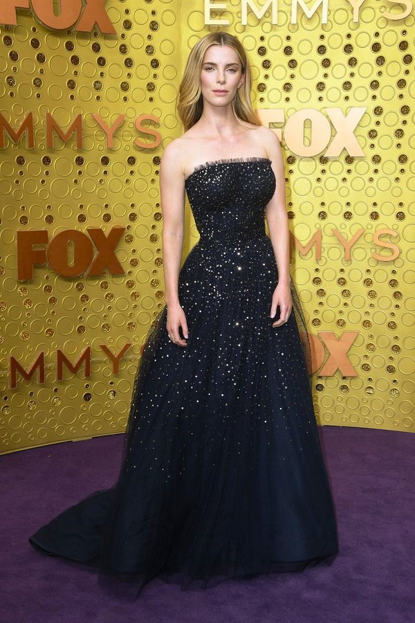 betty-gilpin-in-jason-wu-2019-primetime-emmy-awards