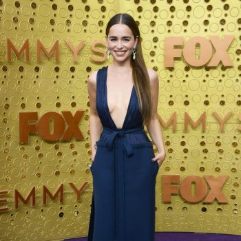 emilia-clarke-in-valentino-couture-@-2019-emmy-awards