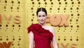 emily-hampshire-in-j-mendel-@-2019-emmy-awards