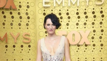 phoebe-waller-bridge-in-monique-lhuillier-@-2019-emmy-awards