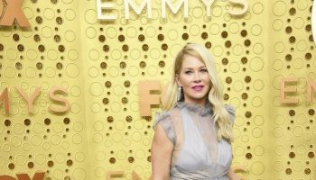 christina-applegate-in-vera-wang-@-2019-emmy-awards