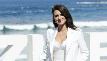 "penelope-cruz-in-ralph-and-russo-@-""wasp-network""-san-sebastian-international-film-festival-photocall"