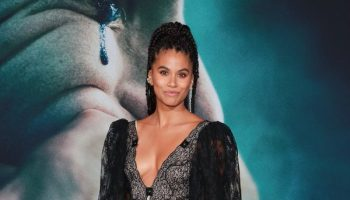 zazie-beetz-in-christopher-kane-@-joker-la-premiere
