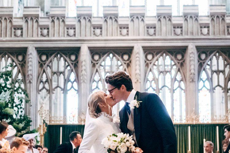 ellie-goulding-marries-caspar-jopling-wearing-chloe
