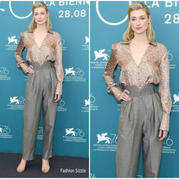 elizabeth-debicki-in-fendi-burnt-orange-heresy-venice-film-festival-photocall