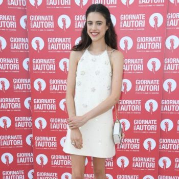 margaret-qualley-in-miu-miu-@-miu-miu-venice-film-festival-photocall