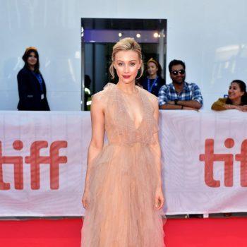 sarah-gadon-in-fendi-@-'american-woman'-toronto-film-festival-premiere