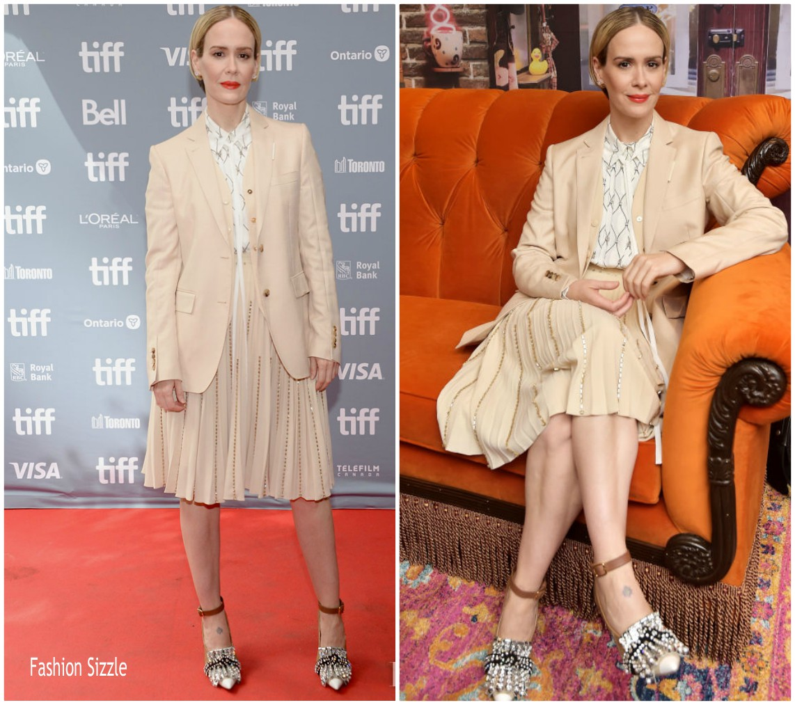 sarah-paulson-in-burberry-abominable-toronto-film-festival-press-conference