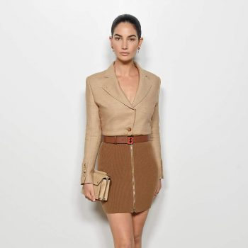 lily-aldridge-in-burberry-@-burberry-ss20-runway-show-in-london
