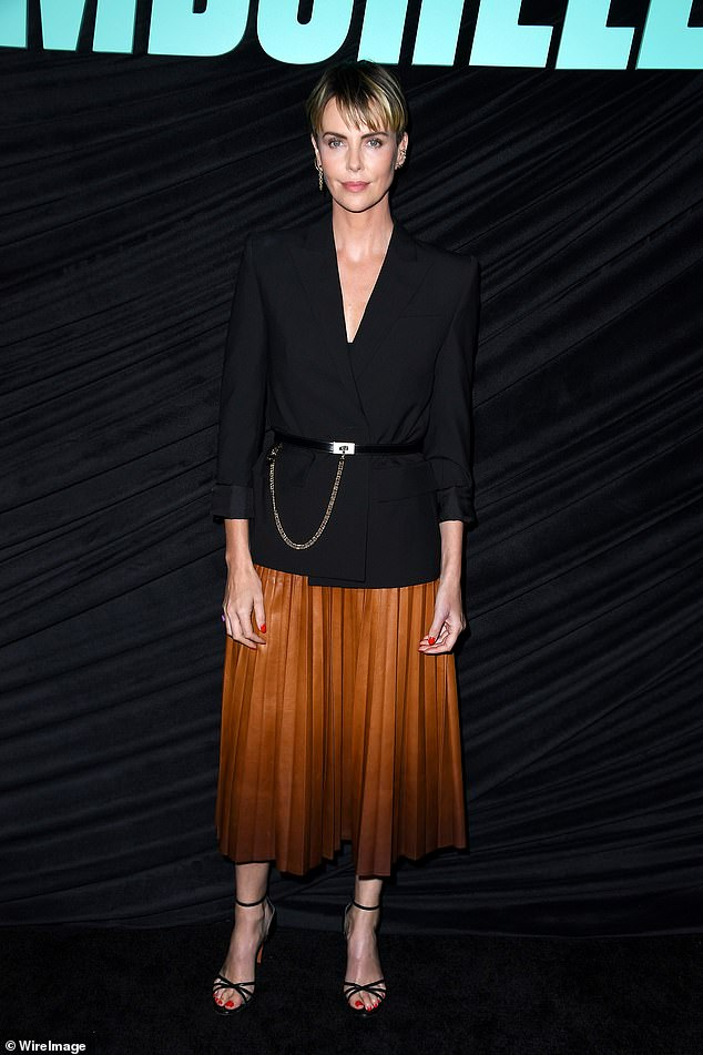 charlize-theron-in-givenchy-bombshell-la-screening