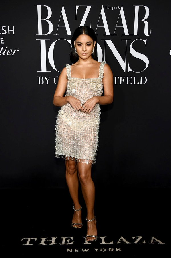 vanessa-hudgens-in-ralph-and-russo-@-2019-harper's-bazaar-icons