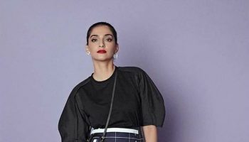 sonam-kapoor-in-3-1-phillip-lim-@-the-nba-india-games