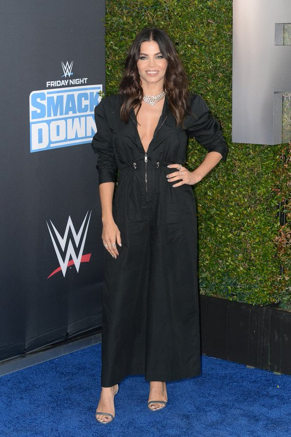 jenna-dewan-in-g-label-@-wwe-smackdown's-20th-anniversary-event-on-fox