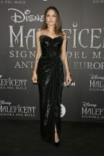 Angelina Jolie  In Atelier Versace  @ The 'Maleficent: Mistress Of Evil' Rome Premiere