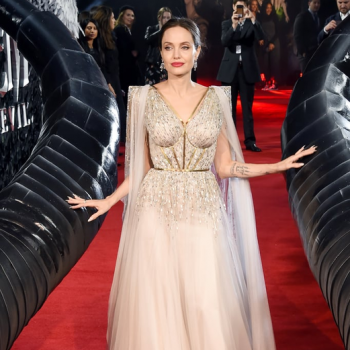 angelina-jolie-in-ralph-and-russo-couture-@-black-widow-to-snow-white-for-the-'maleficent:-mistress-of-evil'-london-premiere