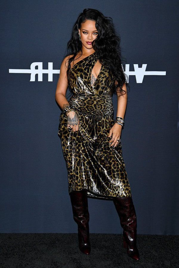 rihanna-in-saint-laurent-her-visual-autobiography-launch-in-new-york