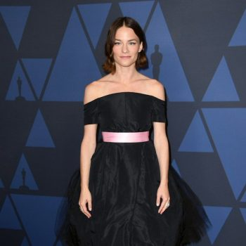 valerie-pachner-in-chanel-couture-2019-governors-awards