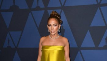 jennifer-lopez-in-reem-acra-2019-ampas-governors-awards