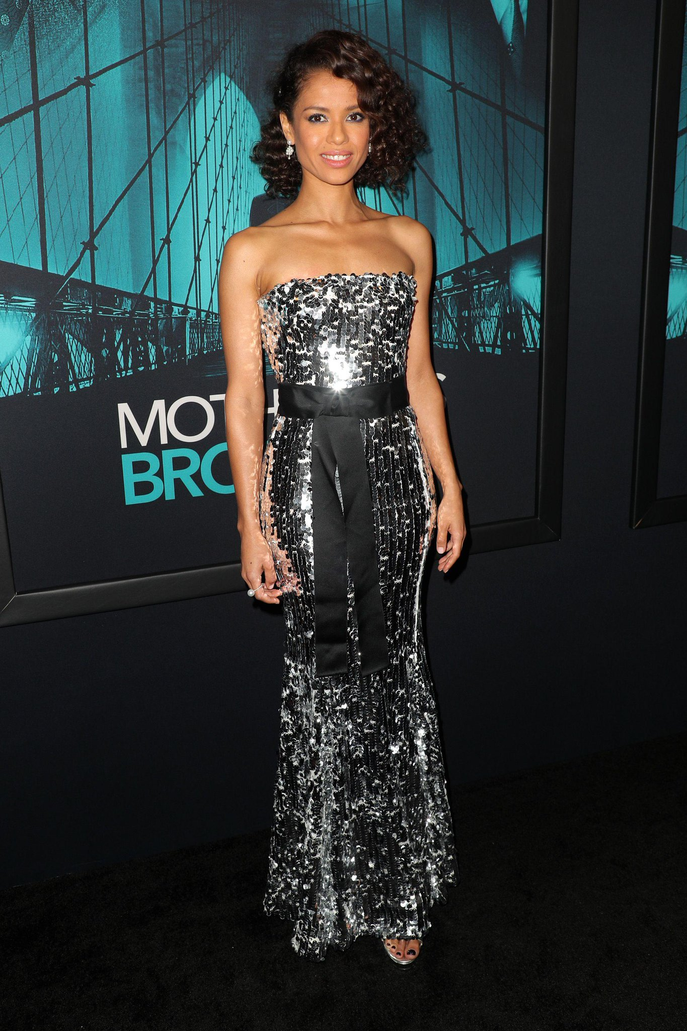 gugu-mbatha-raw-in-dolce-gabbana-the-motherless-brooklyn-la-premiere