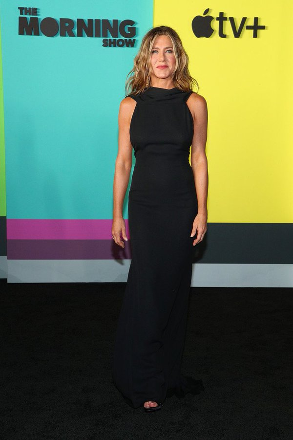 jennifer-aniston-in-james-galanos-apple-tvs-series-the-morning-show-new-york-premiere