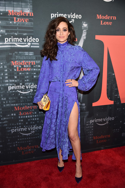 emmy-rossum-in-chloe-@-amazon's-'museum-of-modern-love'-la-premiere