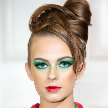 bold-colors-makeup-trend-beauty-fashion-week-2019