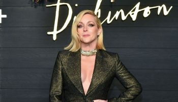 jane-krakowski-rocks-suit-dickinson-new-york-premiere