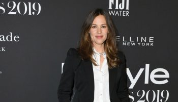 jennifer-garner-suits-up-2019-instyle-awards
