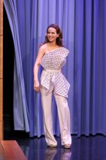 Kate Beckinsale In  Georges Chakra  Couture @ The Tonight Show with Jimmy Fallon