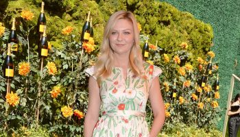 kirsten-dunst-in-vika-gazinskaya-@-2019-veuve-clicquot-polo-classic-in-los-angeles