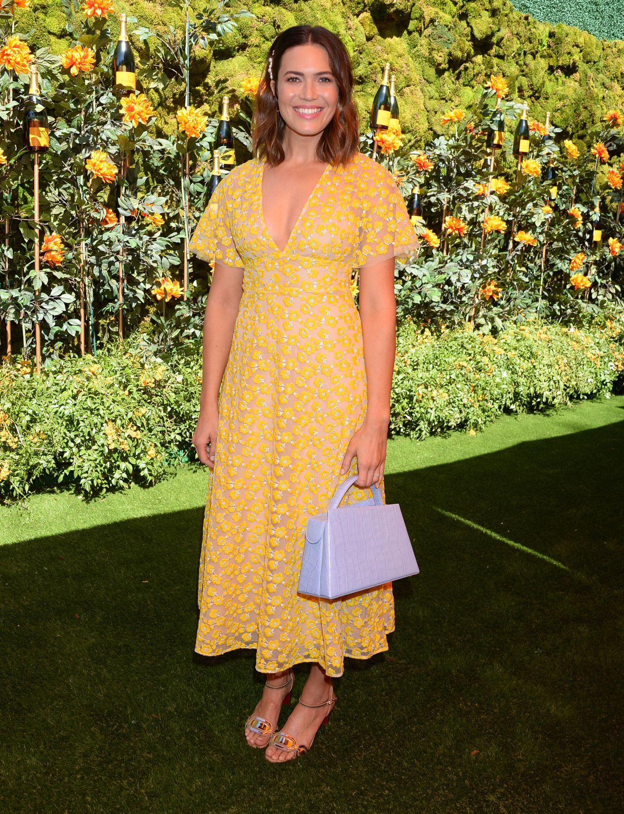 mandy-moore-in-lela-rose-@-veuve-clicquot-polo-classic-at-will-rogers-state-park-in-los-angeles